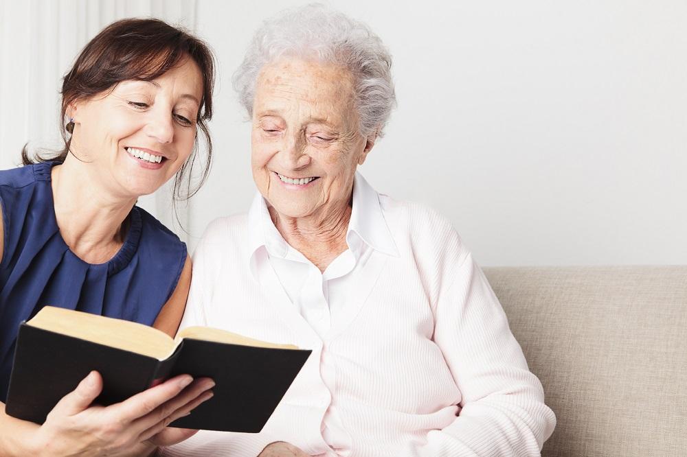 Pomozite vašoj dragoj osobi da shvati ozbiljnost sive mrene i važnost pravovremenog odlaska na oftalmološki pregled.